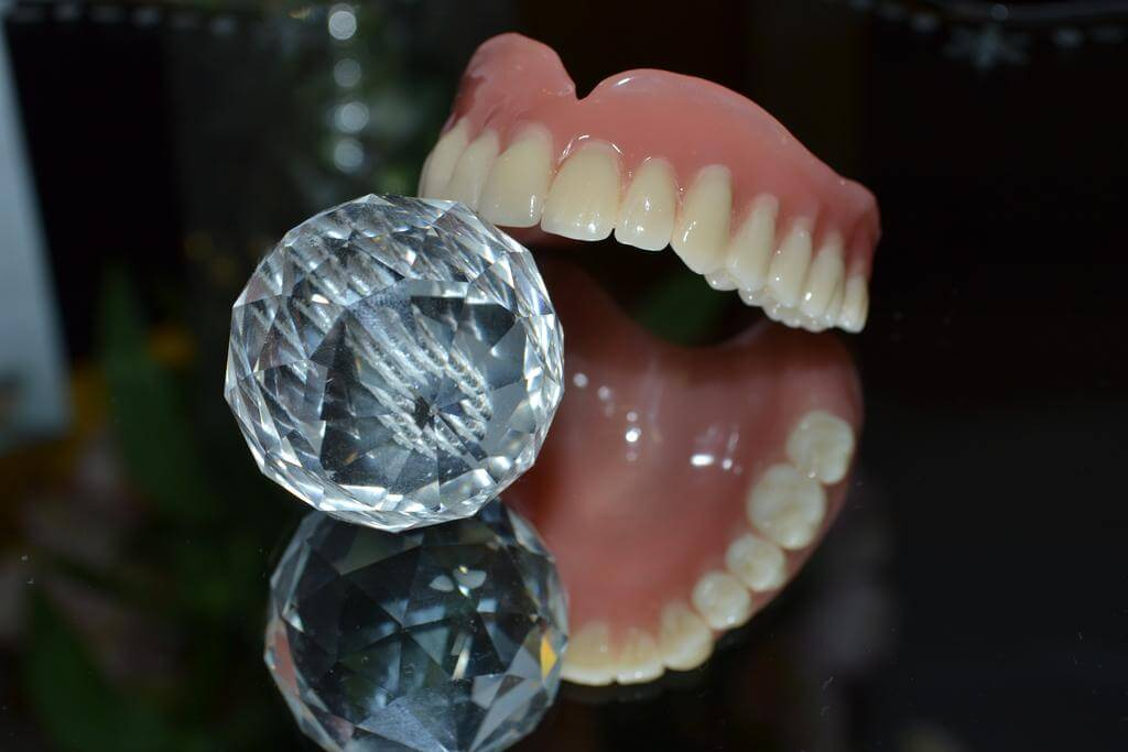 Prosthodontics lumen hambakliinik